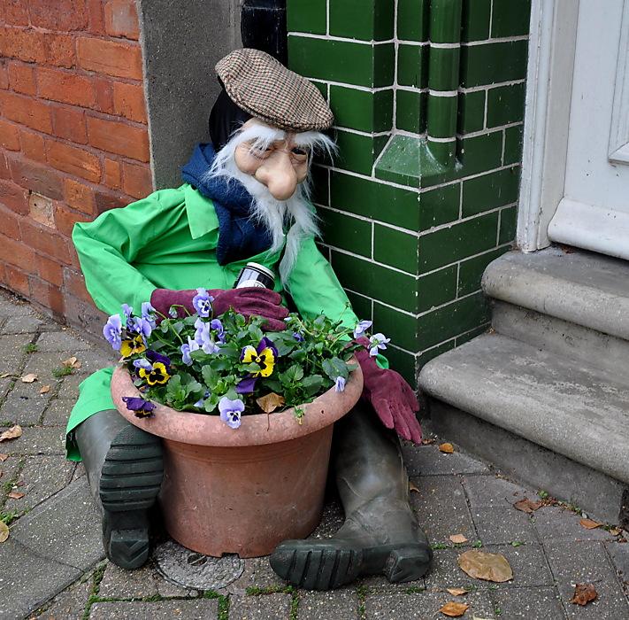 photoblog image Weekend sundries: Halesworth Scarecrows