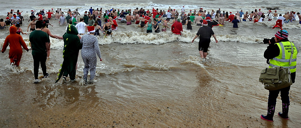 photoblog image Christmas day swim at Southwold beach 1/2