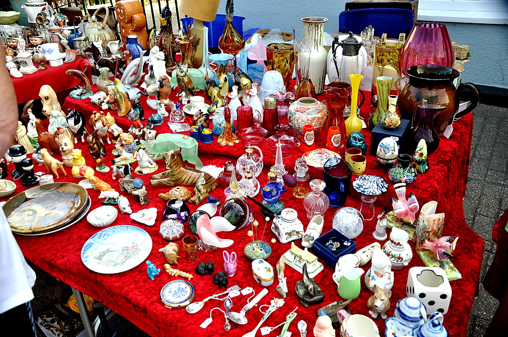 photoblog image Weekend sundries: Antique Fair tat 1/2